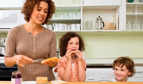Стрессовые ситуации влияют на полноту у девочек