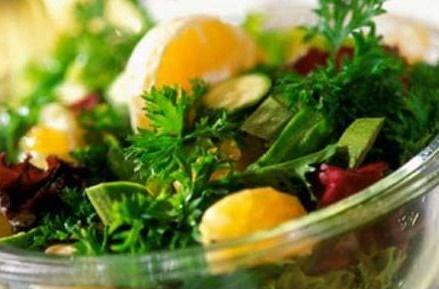 Салат без соуса менее полезен