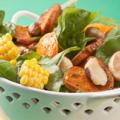 Салат из кукурузы, шпината и сладкого картофеля