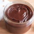 Как приготовить полезную шоколадную пасту