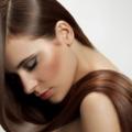 Как сохранить гладкие волосы летом?