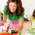 Что наши дети едят летом: изменение привычек питан...